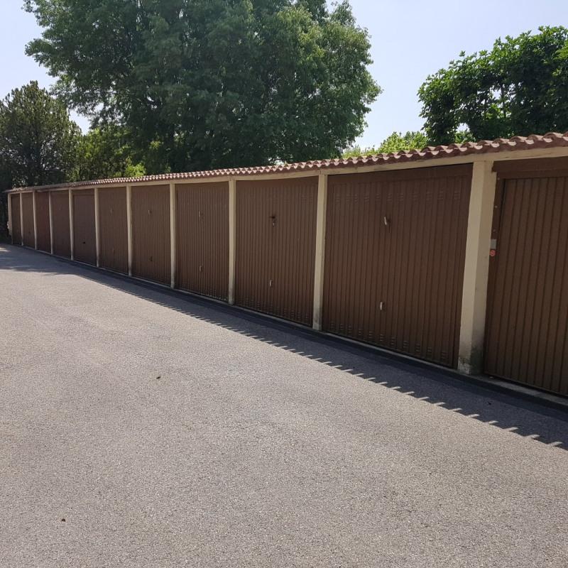 Rental parking spaces Aix-en-provence 80€ CC - Picture 1