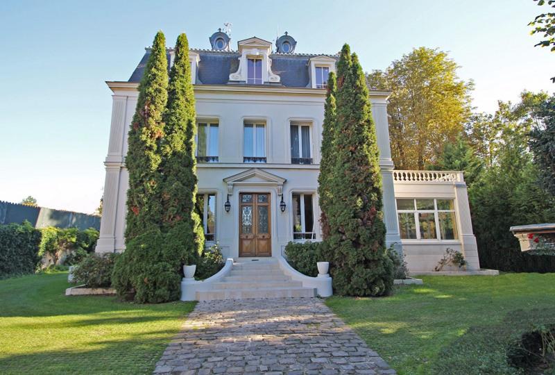 Demeure Napoléon III et son parc d'environ un hectare Uchacq-et-Parentis