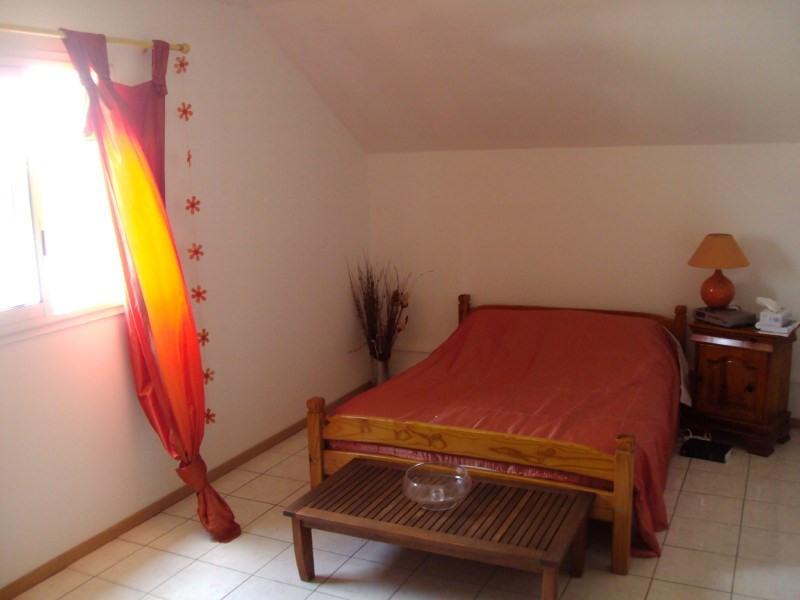 Rental house / villa Les trois mares 950€ +CH - Picture 9