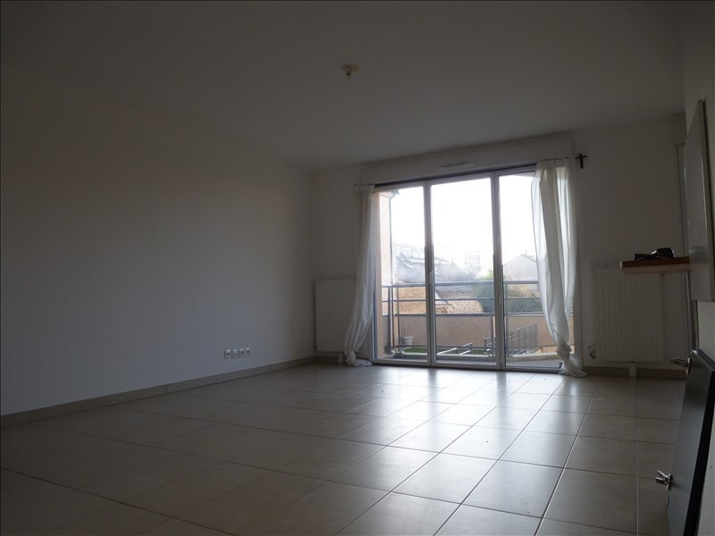 Rental apartment Rambouillet 1 021€ CC - Picture 3