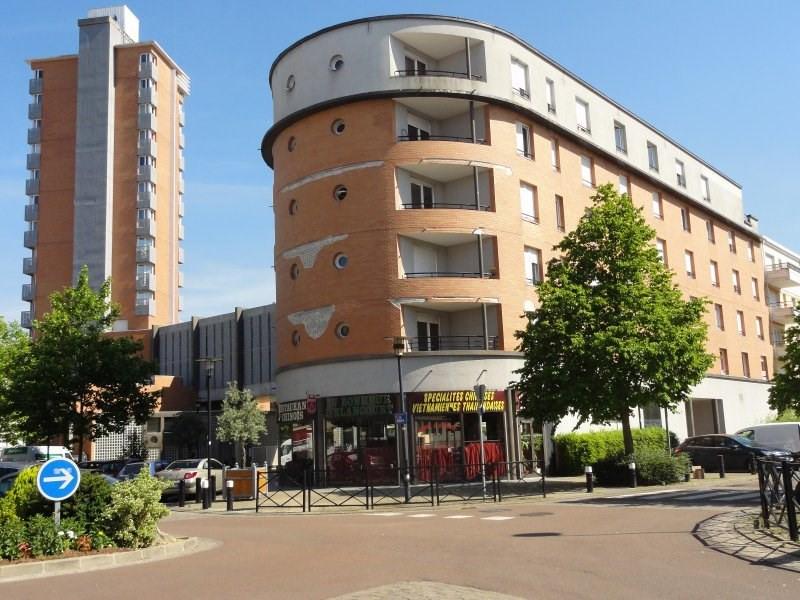 Revenda apartamento Elancourt 96000€ - Fotografia 1