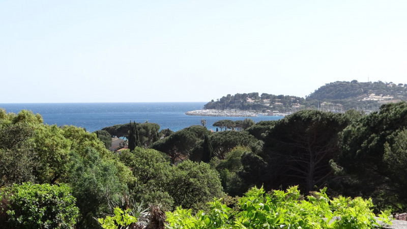 Vacation rental house / villa Cavalaire sur mer 4200€ - Picture 1