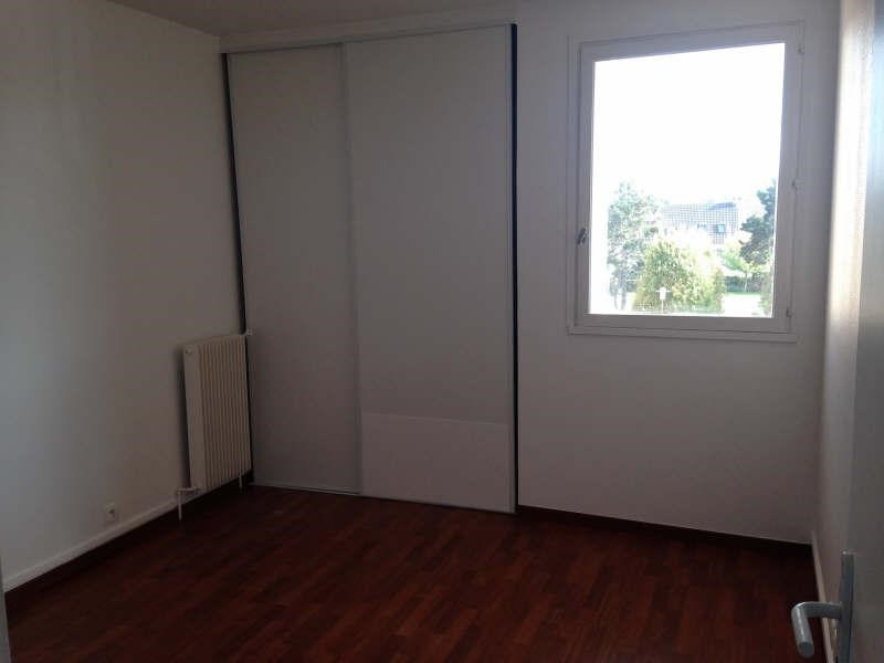 Rental apartment Maurepas 781€ CC - Picture 4