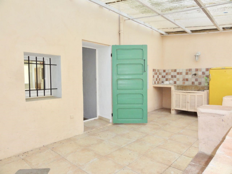 Rental apartment Le beausset 710€ CC - Picture 4