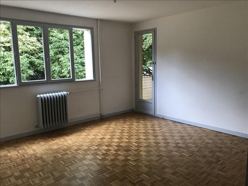 Sale apartment Plaisir 169000€ - Picture 1