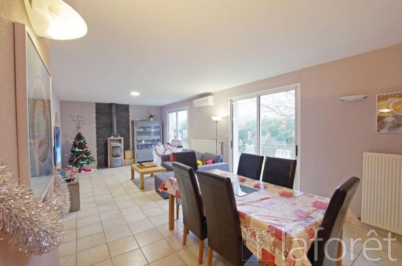 Sale house / villa Saint andre de la marche 170900€ - Picture 1