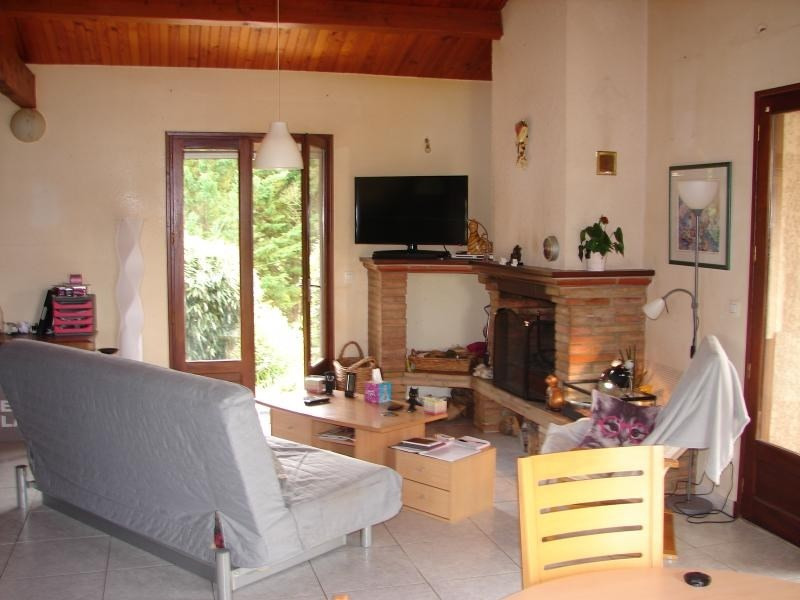 Sale house / villa L isle jourdain 246 750€ - Picture 5