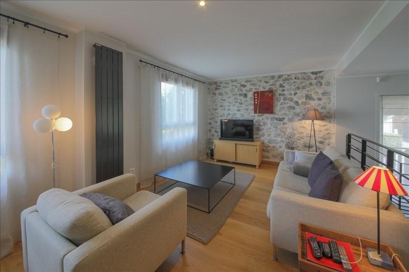 Sale house / villa Annecy le vieux 1082000€ - Picture 2