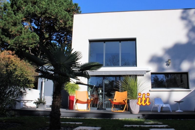 Deluxe sale house / villa Chateau d olonne 741600€ - Picture 1