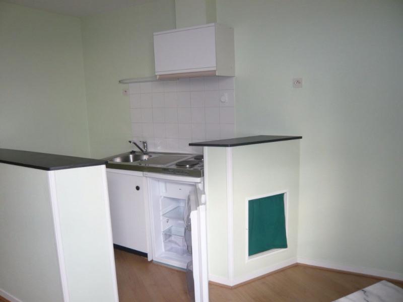 Location appartement Laval 291€ CC - Photo 2