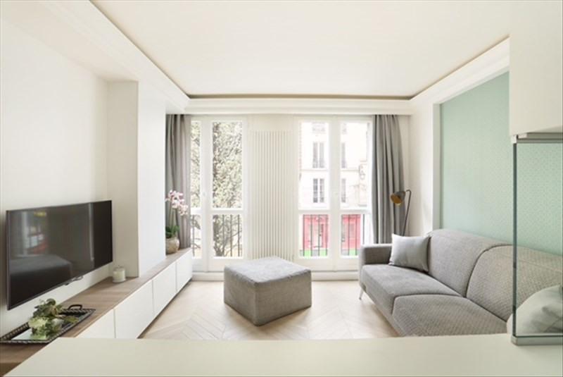 Rental apartment Paris 4ème 1500€ CC - Picture 2