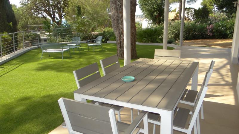 Vacation rental house / villa Cavalaire sur mer 2000€ - Picture 4