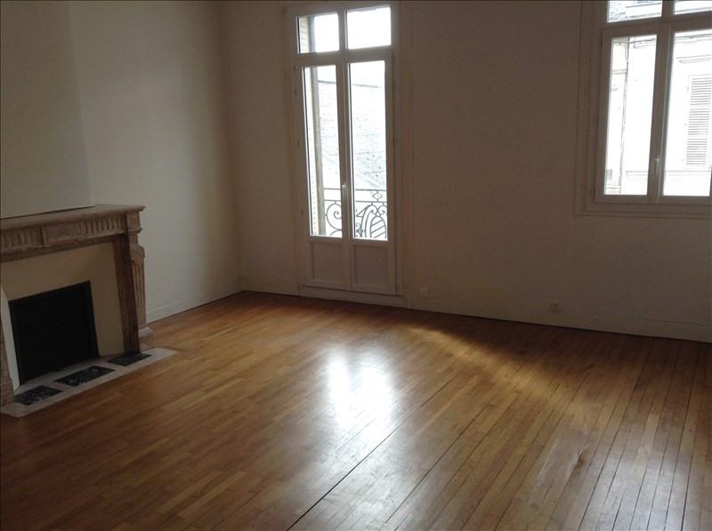 Rental house / villa St quentin 1300€ CC - Picture 2