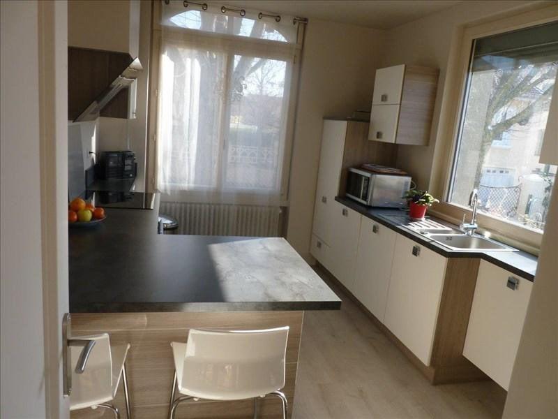 Sale house / villa Montrond-les-bains 415000€ - Picture 2
