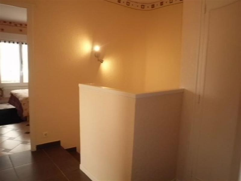 Sale house / villa Meyzieu 220000€ - Picture 3