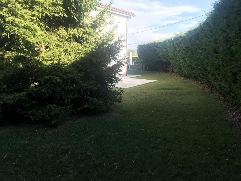 Location maison / villa Estrablin 890€ CC - Photo 4
