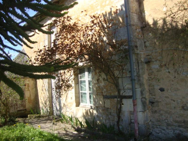 Sale house / villa Saint-jean-d'angély 106500€ - Picture 3