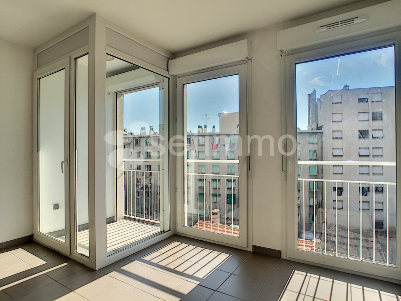 Location appartement Marseille 5ème 681€ CC - Photo 1