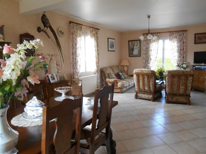 Sale house / villa Grandvilliers 300000€ - Picture 3