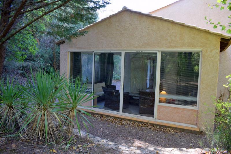 Vendita casa Bagnols-en-forêt 590000€ - Fotografia 15