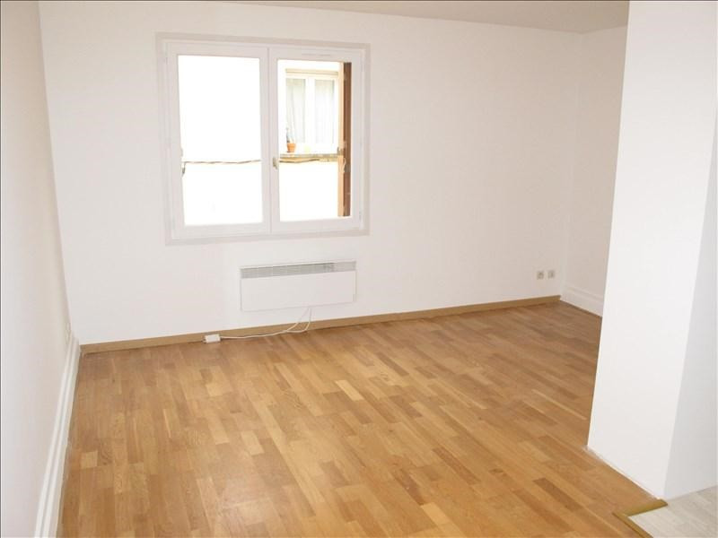 Location appartement Colombes 640€ CC - Photo 1
