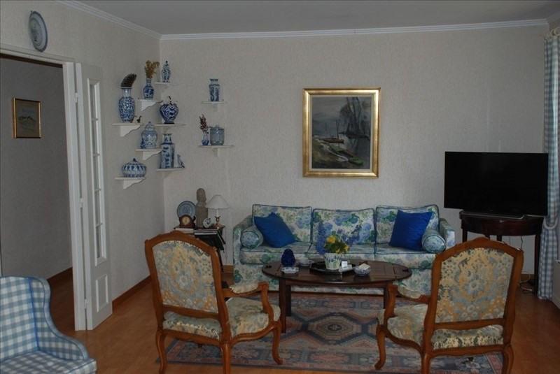 Sale house / villa Montfort l amaury 430000€ - Picture 5