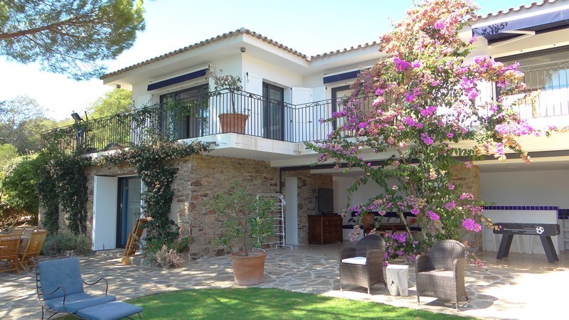 Vacation rental house / villa Le rayol 8 000€ - Picture 4