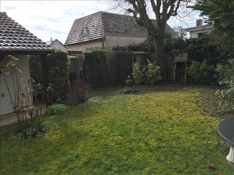 Sale house / villa Les clayes sous bois 362250€ - Picture 2
