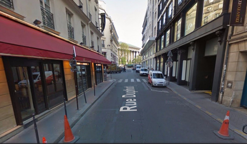 Commercial property sale shop Paris 1er 222 600€ - Picture 1