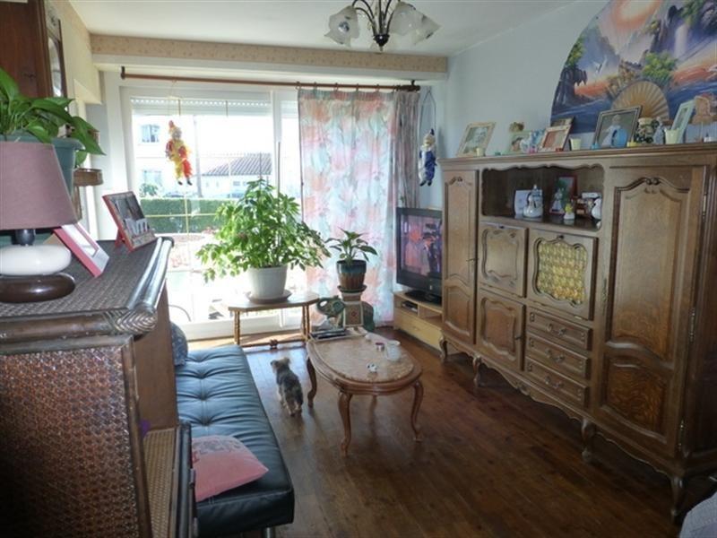 Sale house / villa Saint-jean-d'angély 127200€ - Picture 3