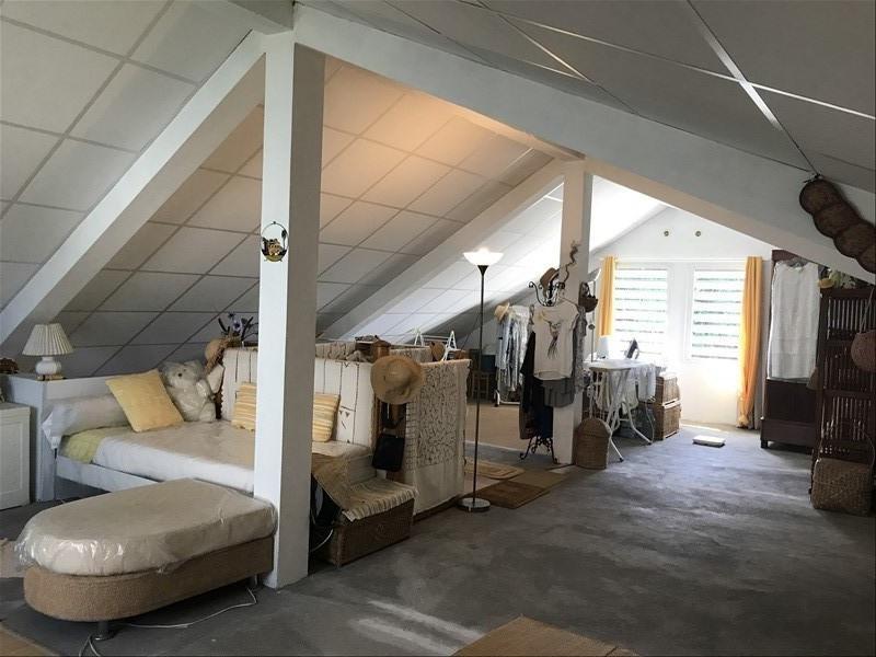 Sale house / villa La riviere 240000€ - Picture 9
