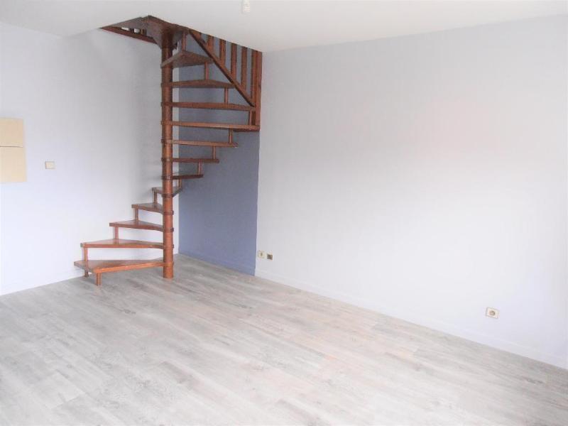 Location appartement Montreal la cluse 468€ CC - Photo 2