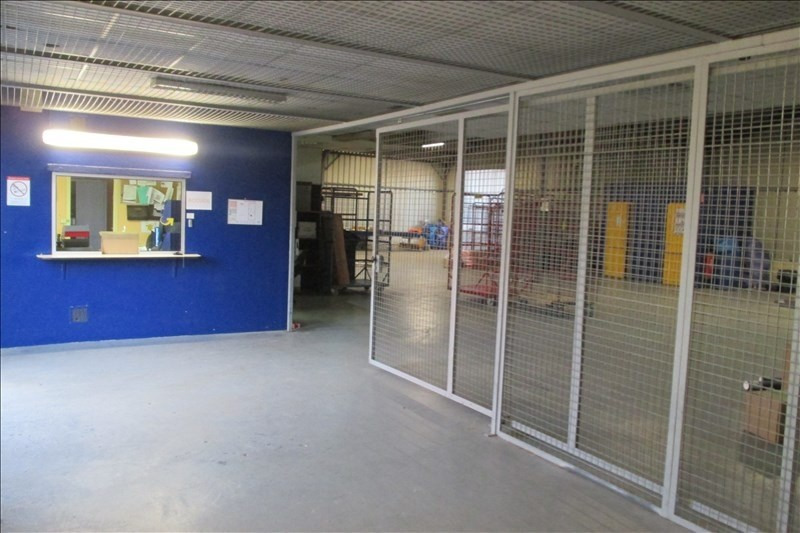 Location local commercial Puymoyen 1 000€ +CH/ HT - Photo 2