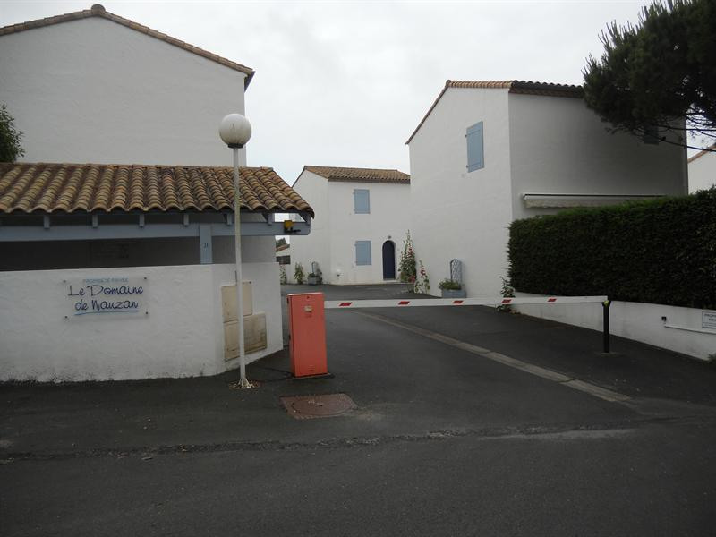 Vacation rental house / villa Vaux sur mer 824€ - Picture 3