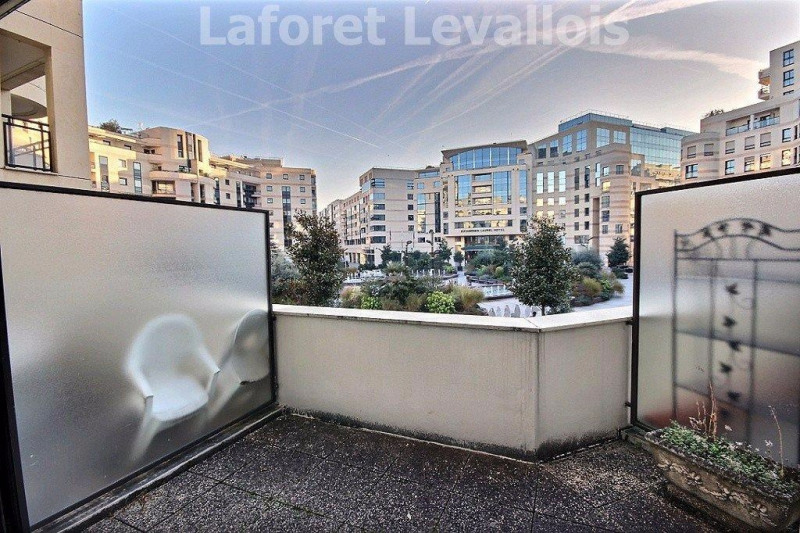 Location appartement Levallois perret 1180€ CC - Photo 2