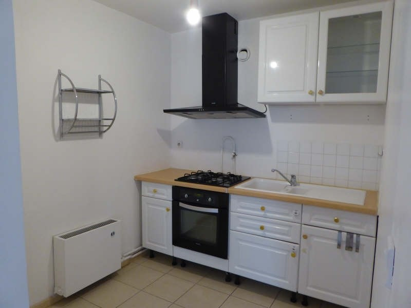 Rental apartment Elancourt 659€ CC - Picture 2