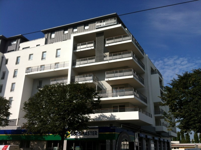 Rental apartment Strasbourg 983€ CC - Picture 1