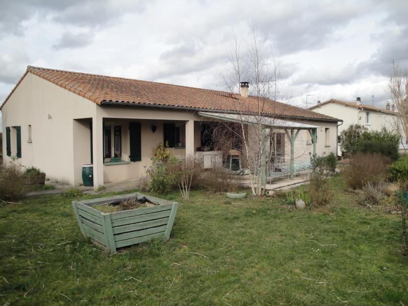 Sale house / villa Vouille 210000€ - Picture 7