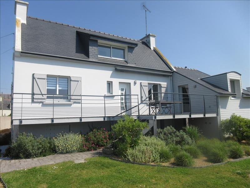 Sale house / villa Plouhinec 296970€ - Picture 1