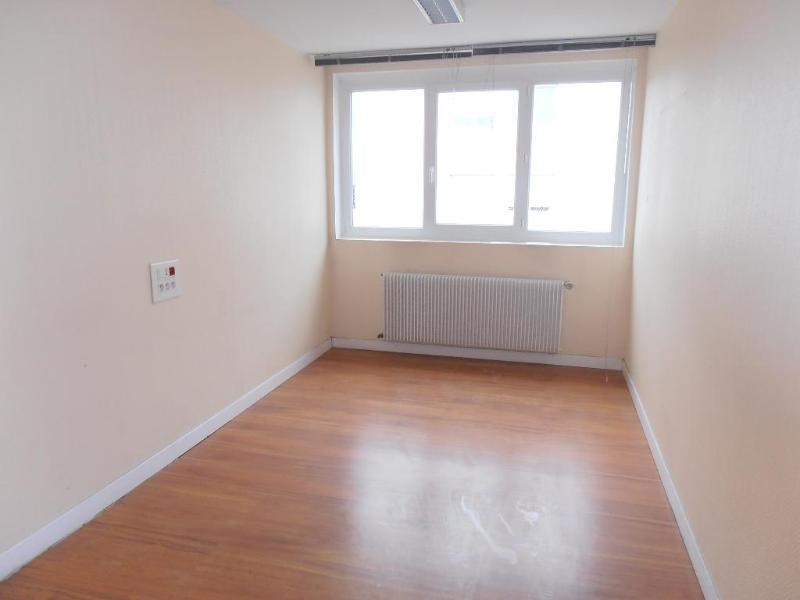 Sale empty room/storage Oyonnax 149000€ - Picture 4