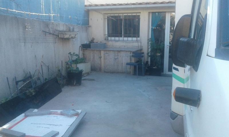 Sale apartment Marseille 80000€ - Picture 2