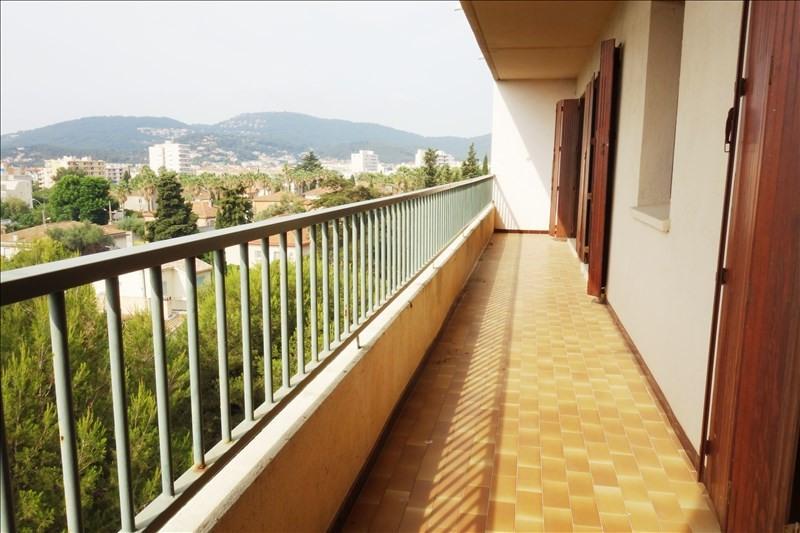 Location appartement Hyeres 900€ CC - Photo 1