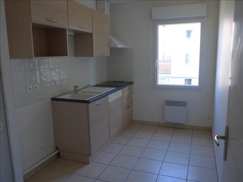 Sale apartment La roche sur yon 91 000€ - Picture 2