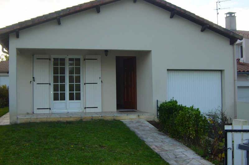 Location maison / villa St benoit 810€ +CH -  1