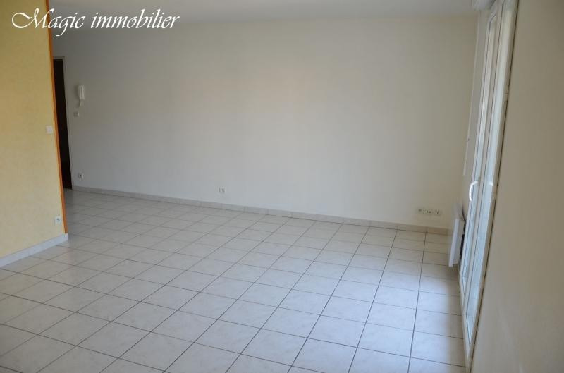 Location appartement Oyonnax 398€ CC - Photo 4