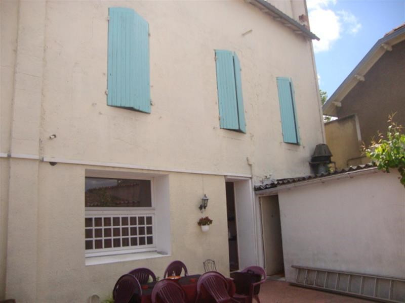 Sale house / villa Saint-jean-d'angély 118 200€ - Picture 3