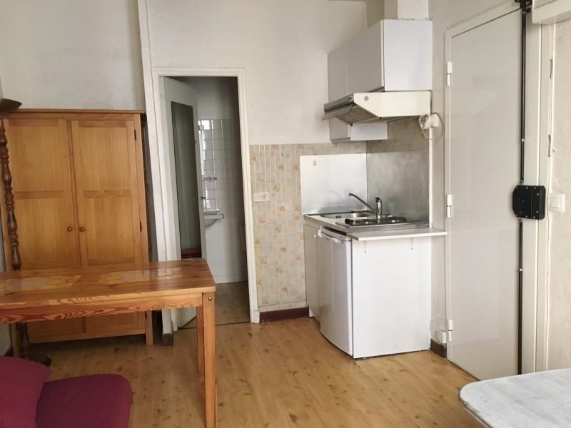 Rental apartment Aix en provence 475€ CC - Picture 2