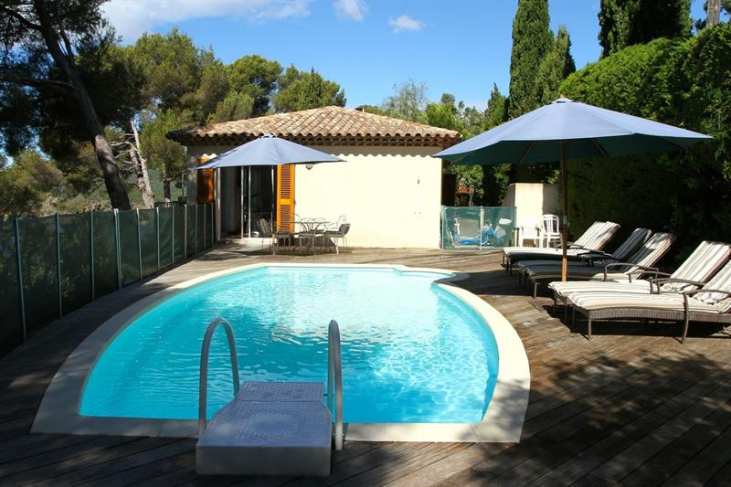 Vacation rental house / villa Cavalaire sur mer 1 500€ - Picture 3