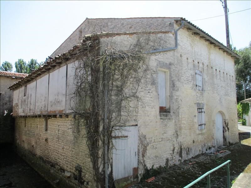 Sale house / villa St jean d angely 75 600€ - Picture 2