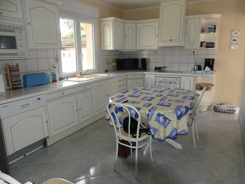 Sale house / villa Coutances 182000€ - Picture 3